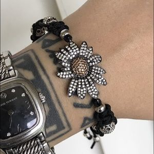 Black rodhium cz daisy flower adjustable bracelet
